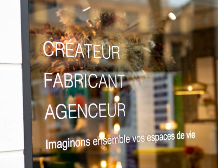 Un showroom inspirationnel qui présente une sélection de produits Gautier